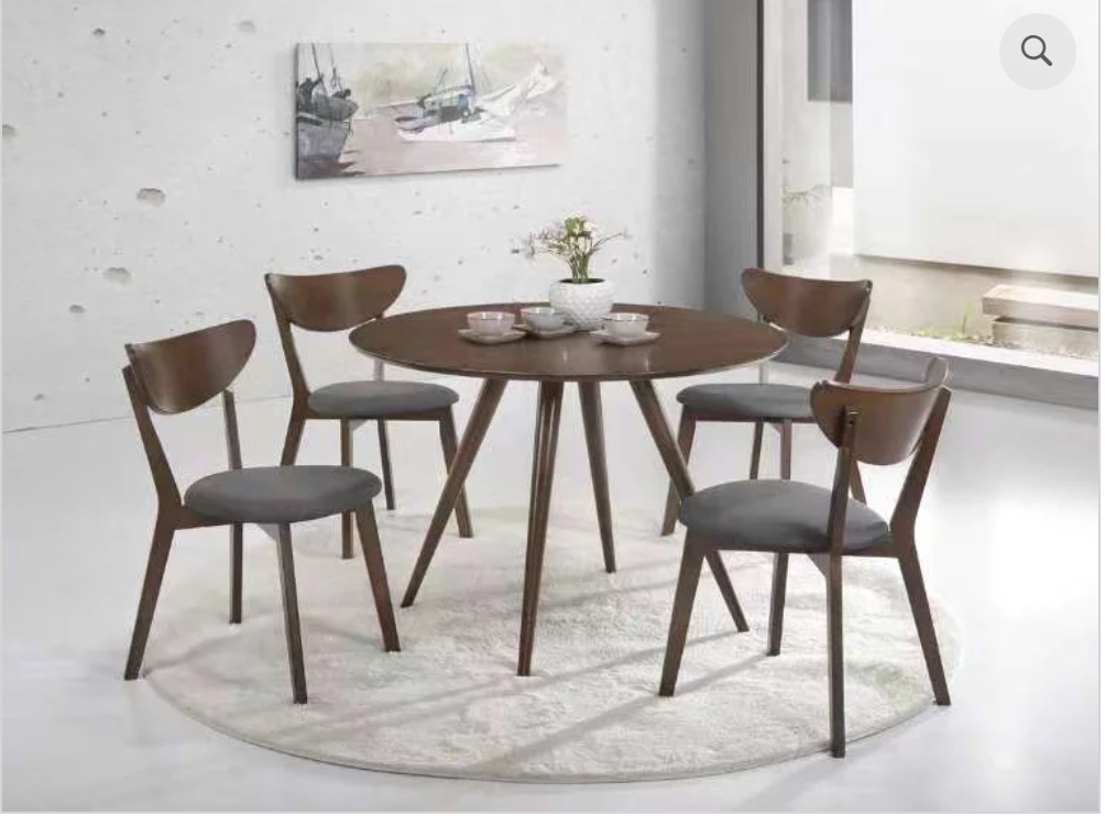Clic Solid Round Wood Dining Table With 4 Chairs